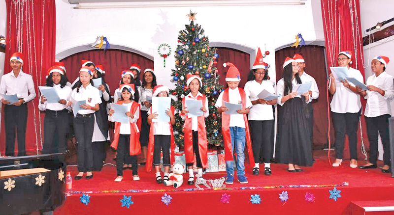 Students singing Carols