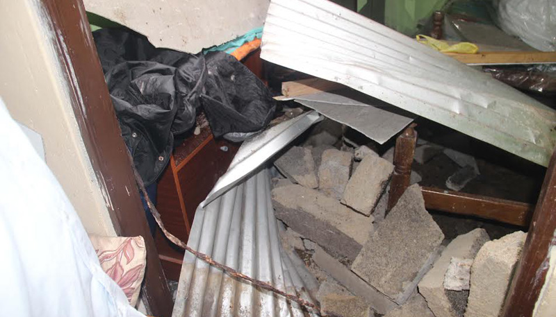 Six houses in Samanalagala damaged due to landing helicopters