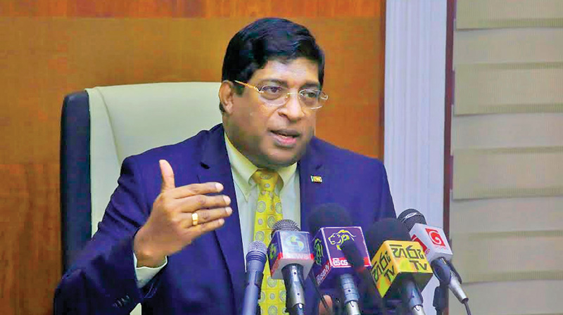 Ravi, TUs hold talks on appointment of Commissioner General of Excise