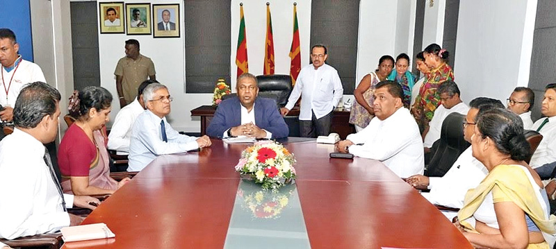Finance and Mass Media Minister Mangala Samaraweera addressing  senior officials of the Ministry of Mass Media, Department of Government Information and other representatives from the affiliated institutions yesterday morning.