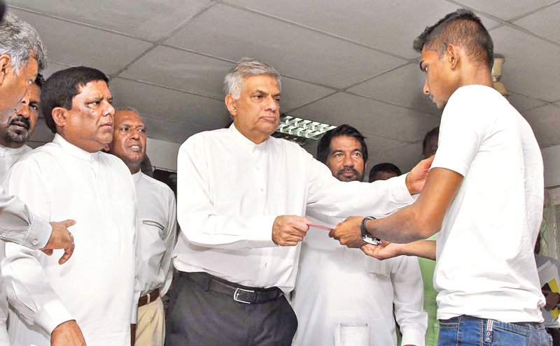 PM promises relief to flood affected tea smallholders