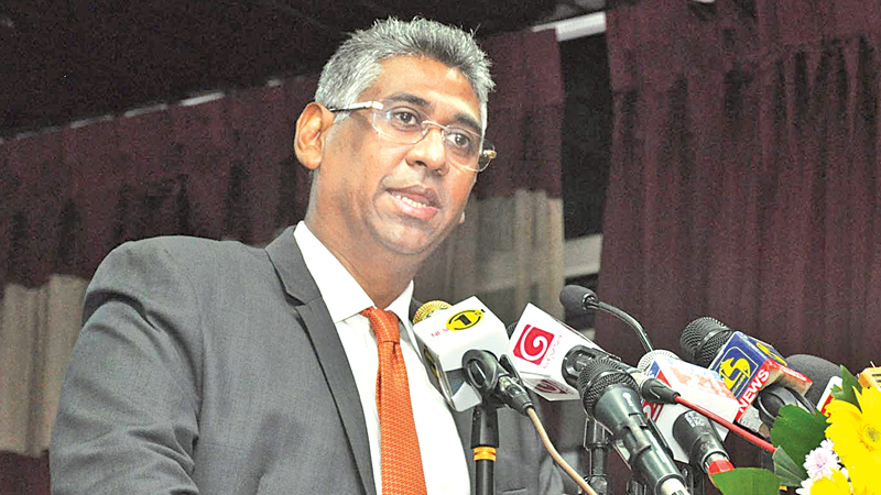 Provincial Councils and Local Government Minister Faiszer Musthapha addressing the meeting.