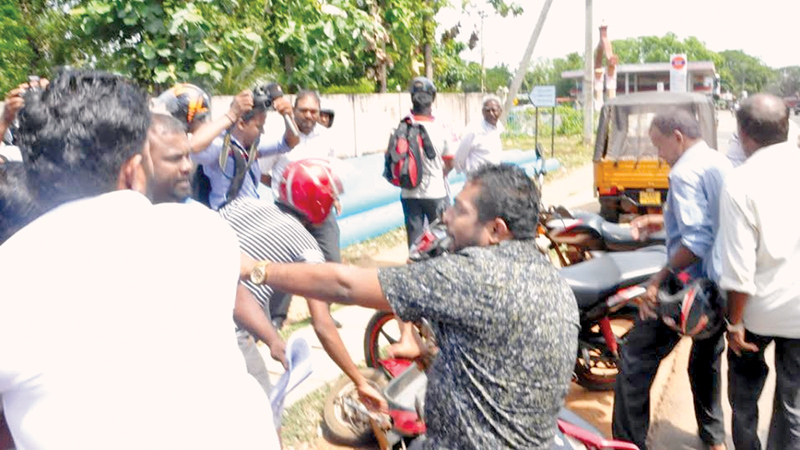 Wiggie's supporters clash with Sathyalingam's