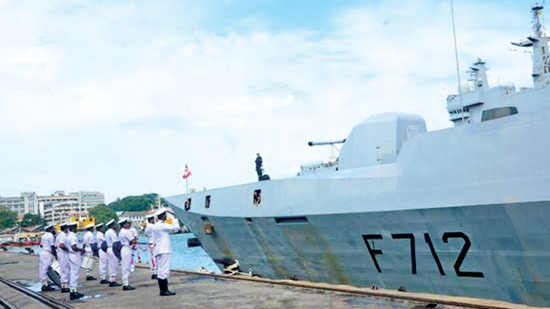 French Naval Ships 'Mistral' and 'Courbet' leave from Colombo harbour