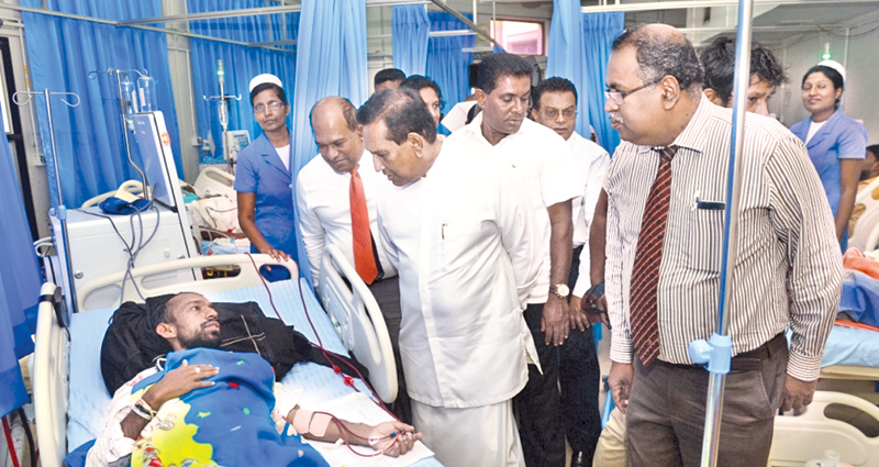 Health Minister felicitates ground breaking Kandy General Hospital heart surgery team