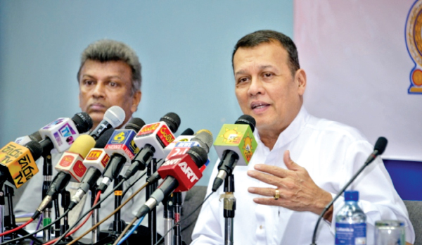 Port and Shipping Minister and Kalutara District Coordination Committee Co-Chairman Mahinda Samarasinghe addressing the media.