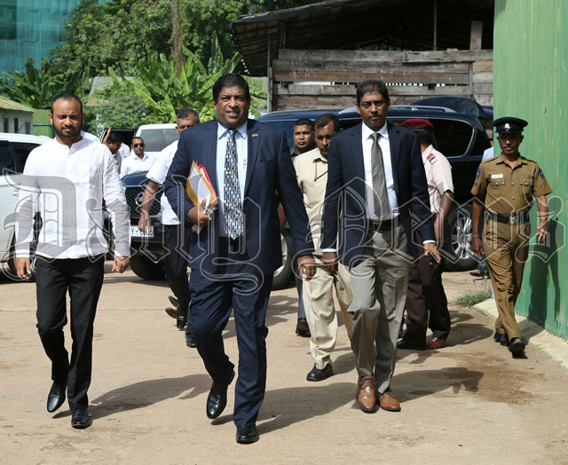 Ravi, Mahendran appear before Bond Commission: Scenes from this morning