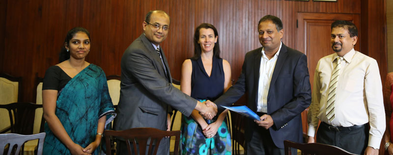 SLTDA Chairman Kavan Ratnayaka and MDF Country Representative Shahroz Jalil after signing the MoU. Also in the picture, DFAT Counsellor Development Cooperation Charlotte Blundell , SLTDA Director General Malraj Kiriella and SLTDA Assistant Director Rajeeka Ranathunga
