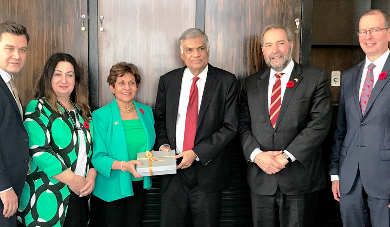 Prime Minister Ranil Wickremesinghe with the Canadian delegation.