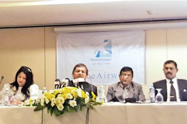 Peace Air Director Iresha Wettasinghe, Chairman Gamini Wethasinghe and officials from Peace Air at the Colombo media event on Tuesday.