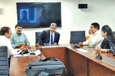 Minister Faiszer Musthapha in discussion with LG Authorities in India