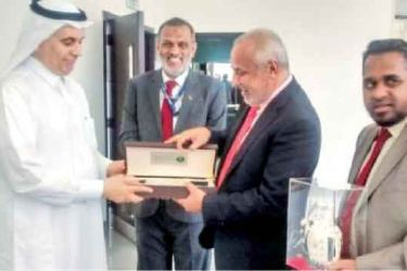 City Planning and Water Resources Minister Rauf Hakeem exchanging mementos with Minister of Water, Environment and Agriculture Abdul Rahman bin Abdul Mohsen Al-Fadhli in Riyadh on Tuesday. Sri Lankan ambassador Azmi Thassim and M.S Thowfeek, MP are also in the picture.