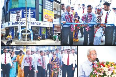 Deputy Chairman Harris Premaratne opening the new Dematagoda branch in the presence of Softlogic Finance officials, Director and CEO Nalin Wijekoon, COO Indresh Fernando and Branch Manager.
