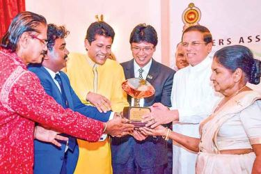 President Sirisena with members of the Singers' Association of Sri Lanka