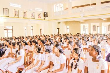 'Unleash Yourself – Phase VI' workshop at Hillwood College, Kandy