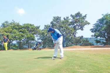 Tyron Perera participating at the Commander's Cup Golf 2017
