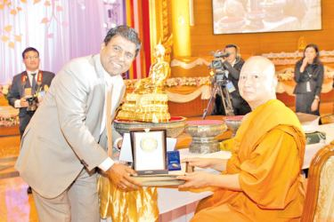 President, the Most Venerable Prof. Dr. Phra Brahmapundit, Rector, Mahachulalongkornrajavidyalaya University & Supreme Sangha Council of Thailand with Dr. Wijeyadasa Rajapakshe