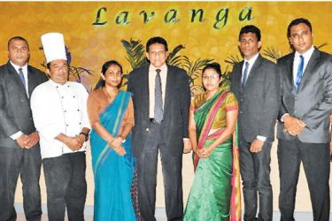 Managing Director Anusha de Alwis Frydman and the senior management team with General Manager of the Hotel, Ranjith Balasuriya