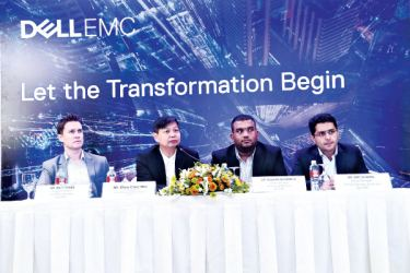 Chue Chee Wei, Vice President, Asia Emerging Markets Region, Dell EMC, Roshan Nugawela, Country Manager Sri Lanka and Maldives, Dell EMC and other officials at the head table