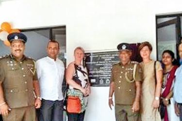 Head of Cooperation of the Delegation of the European Union to Sri Lanka and the Maldives, Libuse Soukupova and UNICEF Deputy Representative Dr. Paula Bulancea with Police staff