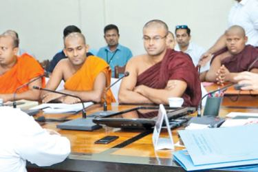 Prime Minister Ranil Wickremesinghe addressing youth Buddhist monks at Temple Trees. Picture by Saman Sri Wedage