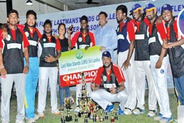Last year champions, Heshan Flexi team with their awards