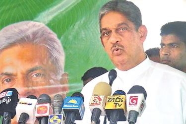 Minister Field Marshall Sarath Fonseka addressing the gathering. Picture by Sivam Packiyanathan, Batticaloa Special Corr.