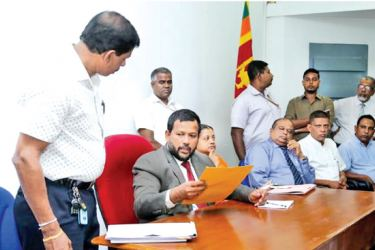 Minister Rishad Bathiudeen accepts requests by Chairman of All Ceylon Polythene Manufacturers and Recyclers Association (ACPMRA) Anura Wijethunga at the Ministry