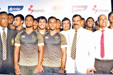 Royal Skipper Ovin Askey (third from left), Vice Captain Sabith Feroze (fourth from left) are seen here with (from left) Rajiv Malalasekera, Rohantha Peiris (Chairman of the Rugby Management and Advisory Committee), Principal B.A Abeyrathne, Andrew Perera of KIA Motors and Athula Munasinghe (Secretary of Royal College Union).  Picture by Vipula Amarasinghe