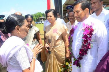 Health Minister Dr. Rajitha Senaratne and Dr. Mrs. Sujatha Senaratne arrive at the ceremony