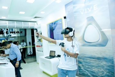 Store to showcase range of premium smartphones and VIVE virtual reality platform.