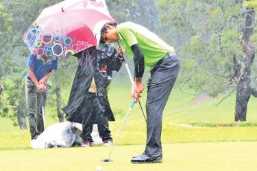 Vinod Weerasinghe (ranking leader of Gold Division age group 15 – 18+ yrs)