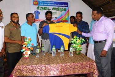 The new jersey of the Al-Naja Sports Club players being introduced.