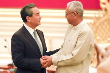 Chinese Foreign Minister Wang Yi who was in Myanmar recently meeting Myanmar's President Htin Kayaw.