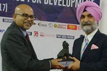 India's High Commissioner to Sri Lanka Taranjit Singh Sandhu with Colombo School of Business and Management Chairman, Dian Gomes at the inauguration yesterday.
