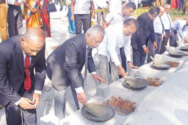 Minister of Higher Education and Highways, Lakshman Kiriella with University officials at the stone laying ceremony