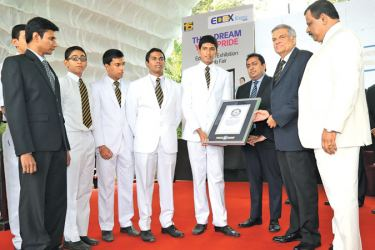 Prime Minister Ranil Wickremesinghe who attended the Edex Expo; career and job fair organised by the Royal College Union at the BMICH as Chief Guest handed over the Guinness World Record certificate to the Student Association of Royal College for breaking the record for the most number of water rockets launched simultaneously. (Picture by Prime Minister's Media Division)
