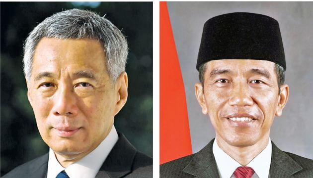 Singapore Prime Minister Lee Hsien Loong and Indonesian President Joko Widodo