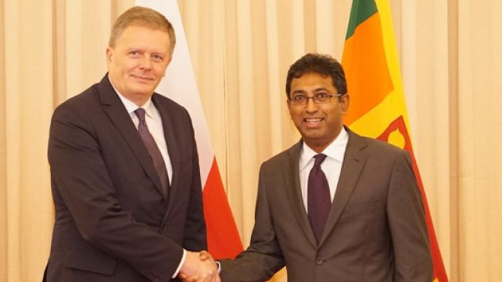Deputy Foreign Minister of Poland Leszek Soczewica and Acting Foreign Minister Dr. Harsha De Silva at yesterday's press conference.