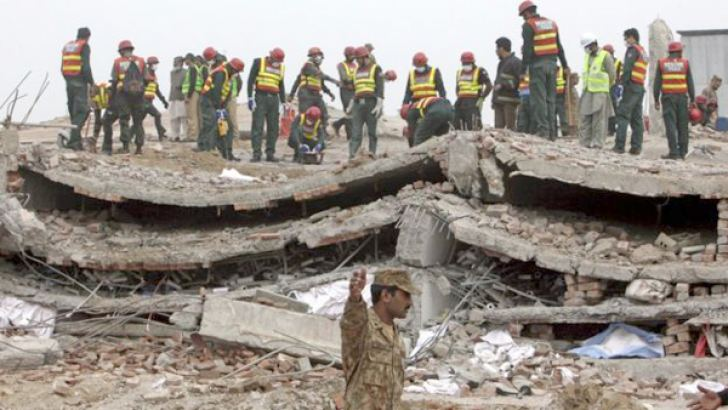 Rescue operations at the Lahore building site.