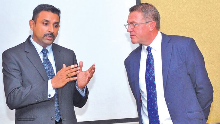 Steven Mayes and Sunil Subramanian at the  launch of the Report. Picture by Thushara Fernando
