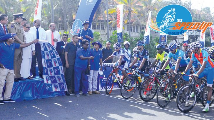 Flagging off the SLT 'SpeedUp Cycle Sawariya' 2017 at Gall Face, Colombo. Picture by Wasitha Patabendige