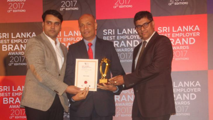 The Bank of Ceylon team receiving the award