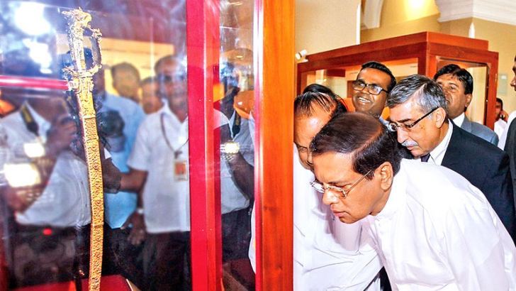 The historic dagger (Kasthana sword) gifted to President Maithripala Sirisena by Russian President Vladimir Putin during his official visit to Russia was gifted to the National Museum yesterday.This Kasthana sword comprising Kandyan decorative art had been taken out of the island during the British rule to a destination in England and exposed to the public at an auction of antique items belonging to Royal Household in 2006 and later purchased by a Russian in London.  President Putin gifted this Kasthana swo