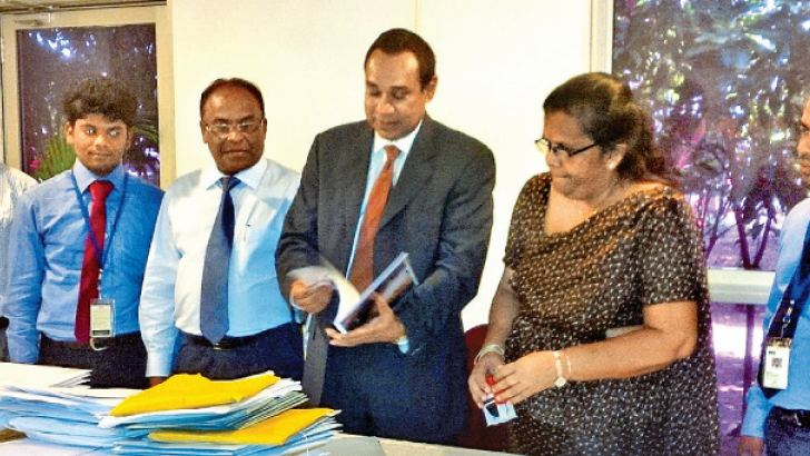 The official opening and scrutiny of the applications being conducted in the presence of THASL President Sanath Ukwatte, THASL CEO, Mrs. Laleenie Hulangamuwa, Rising Star Technical Committee Members Prasantha Abeykoon, Bazeer Cassim, Lakal Jayasinghe, Ms. Hyacinth Gunawardana, Shanthi Kumar and Royston Quyn.