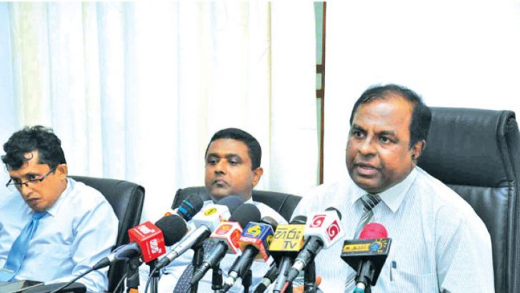 Provincial Councils and Local Government Ministry Secretary Kamal Pathmasiri and others presiding the media briefing.