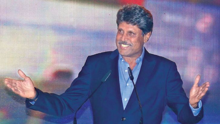 India's 1983 World Cup winning captain Kapil Dev who was the guest of honour at the Dialog Cricket awards 2017 addresses the audience. Picture by Nirosh Batepola