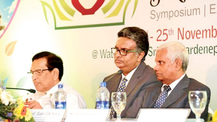 Prof. De Silva with Health Minister Dr. Rajitha Senaratne at the press conference.