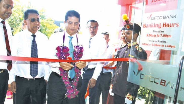 Director and CEO DFCC  Bank Lakshman Silva opening the Matara City Branch.
