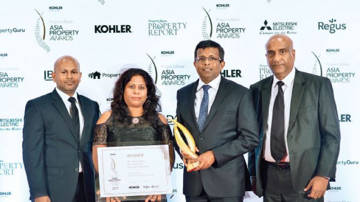 General Manager Dinesh Jayasinghe, Home Lands Group Director Mrs. Harshani Herath, Home Lands Group Chairman Nalin Herath, General Manager Operations Home Lands Skyline Hiran Gunasekara at the Asia Property Awards 2017 Ceremony